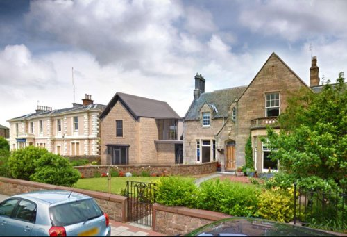 East Lothian former RBS bank building back on the market - for a cool £600,000
