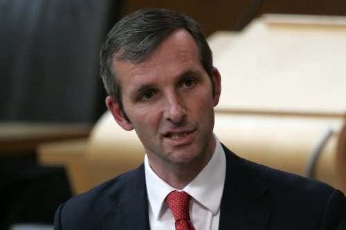 Liberal Democrat Liam McArthur holds Orkney againt SNP challenge as first result announced