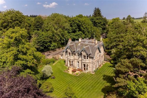 Stunning 7-bedroom former mill owner's house full of superb period features in a beautiful setting just outside Edinburgh