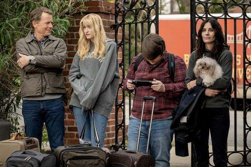 Starz Picks Up SHINING VALE Horror Comedy Series Starring Courteney Cox, Greg Kinnear And Mira Sorvino