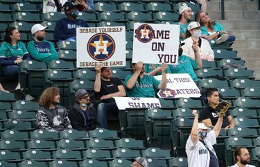 Despite limited capacity, Mariners fans join chorus of boos directed at Astros for sign-stealing scandal