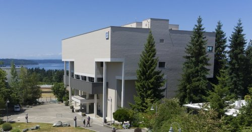 Most Washington state community colleges will require students to get COVID vaccines this fall