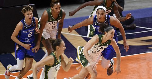 Breanna Stewart looks at home on the road as Storm blocks the Sun