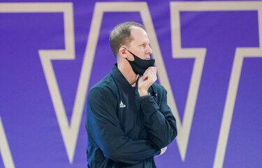UW men's basketball picks up early commitment from King's High standout Tyler Linhardt