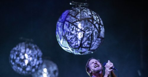 Review: Pearl Jam, Seattle fall in love all over again at joyous Home Shows on Night One at Safeco Field