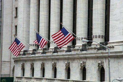 Nasdaq, S&P fall as megacaps struggle, Dow dips; meme frenzy eases