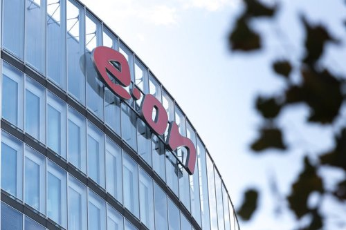 E.ON Stock Continues To Be An Attractive Income Vehicle (OTCMKTS:ENAKF)