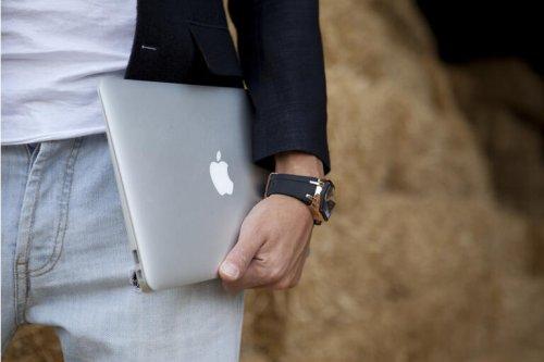 Apple MacBook Pro Event: Hidden Bullish Factors (NASDAQ:AAPL)
