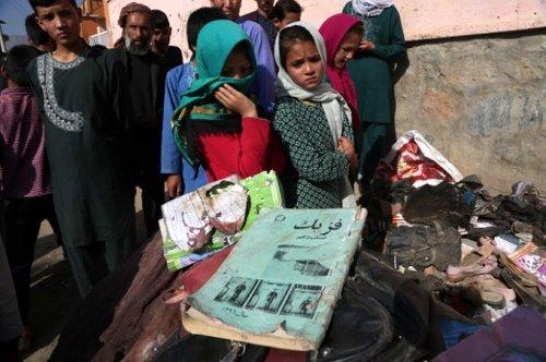 미 철군 개시 후 또 테러… 겁에 질린 아프간 여성들