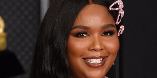 Lizzo Tells Fans to 'Give Me 6 Feet' As the Delta Variant Surges