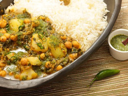 Chickpea, Potato, and Spinach Jalfrezi With Cilantro Chutney Recipe