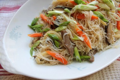 Taiwanese Pan-Fried Rice Noodles Recipe