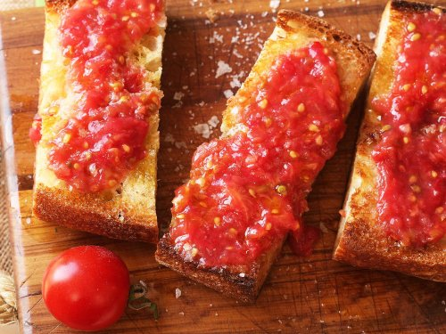Pan con Tomate (Spanish-Style Grilled Bread With Tomato) Recipe