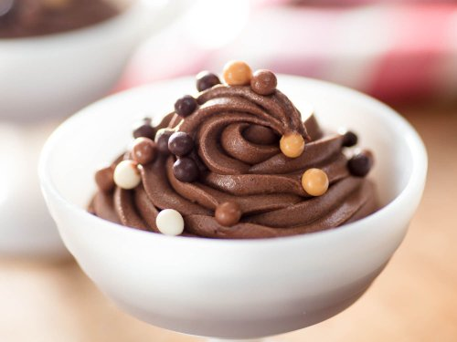 How to Make Chocolate Mousse Without Eggs or Gelatin