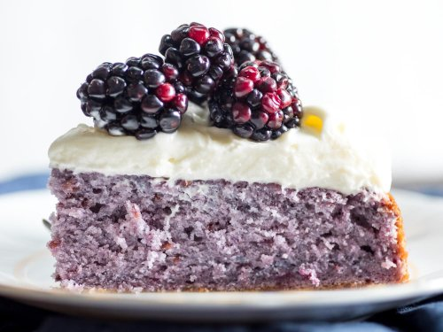 How to Make Blackberry Cake