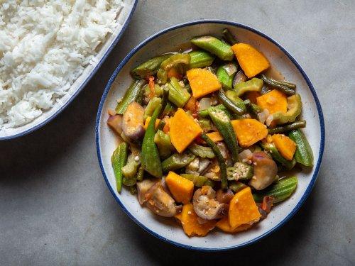 How to Make Pinakbet (Filipino Vegetable Stew)