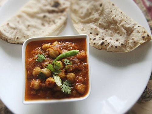 Indian Spiced Chickpea Gravy (Chole) Recipe