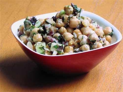 Healthy & Delicious: Greek-Style Chickpea Salad Recipe