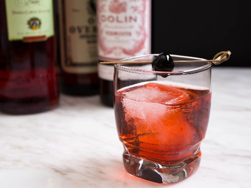 25 Classic Cocktail Recipes Everyone Should Know