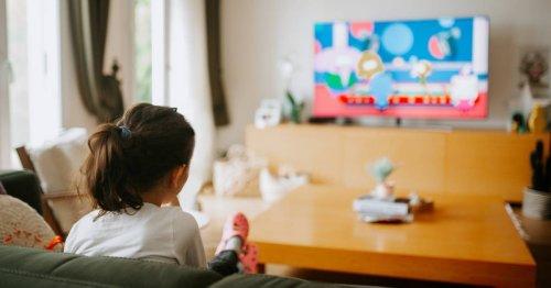 Adicción a las series o 'binge-watching' en niños: qué peligros tiene