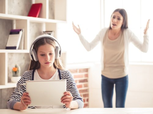 Niños y adolescentes cover image