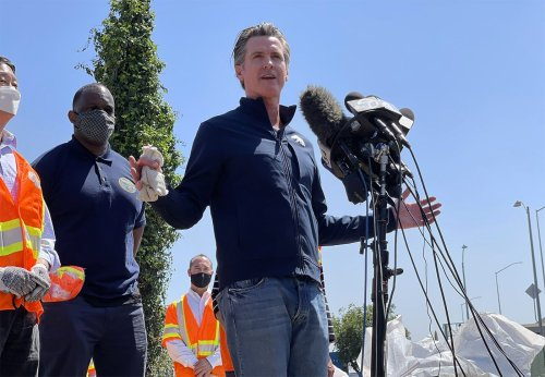 Newsom Says Masks Will Only Be Needed In 'Massively Large Settings' After June 15