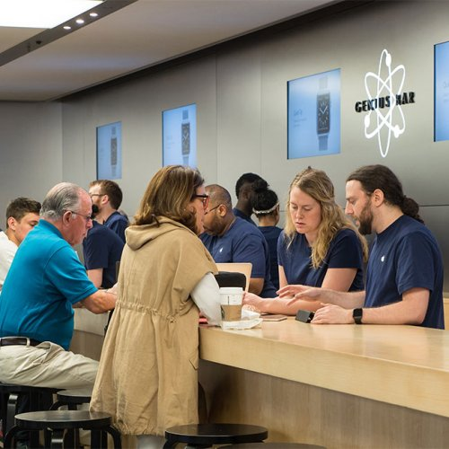 The Default Setting Every Apple Store Employee Loves Because It Makes Your iPhone Run Like Brand New