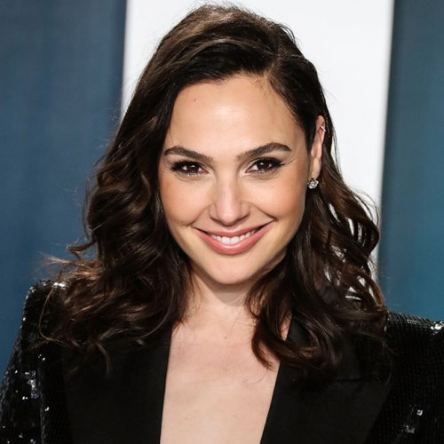 We Still Can't Get Over The Skimpy Cut-out Dress That Gal Gadot Wore On The Red Carpet!