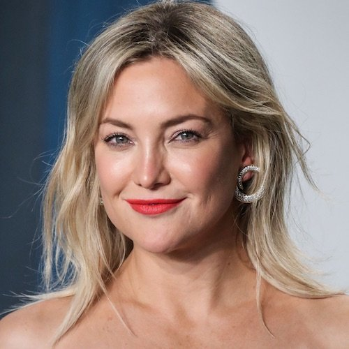 My Jaw Is Still On The Floor After Seeing Kate Hudson's Low-Cut Sports Bra Top