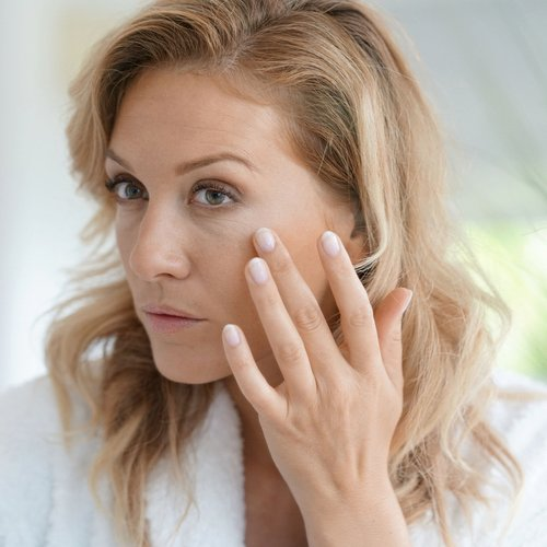 Derms Say This Is The Drink You Should Avoid Over 40 Because It Ages You INSTANTLY