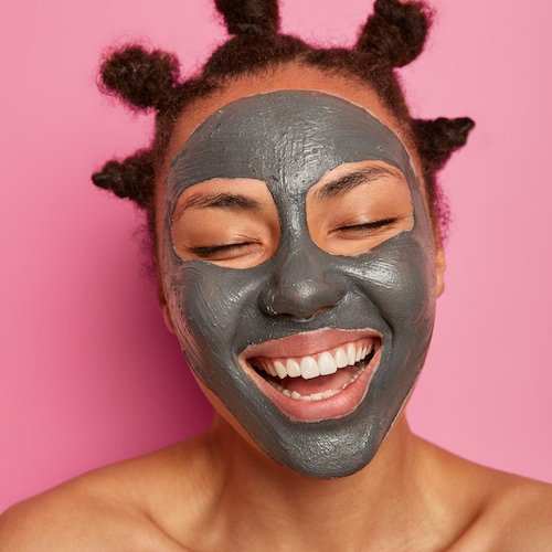 This Detoxing Dead Sea Mud Mask Has Over *22,000* Reviews On Amazon