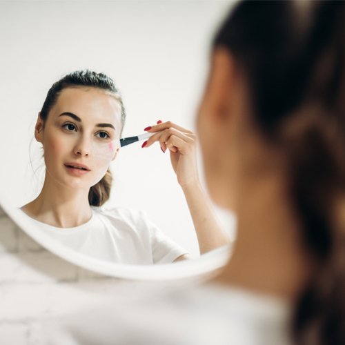 4 Makeup Mistakes That Are Adding 10 Years To Your Face