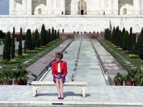 Princess Diana's Photographer Reveals the Broken Prince Charles Promise Behind Her Famous Taj Mahal Photo