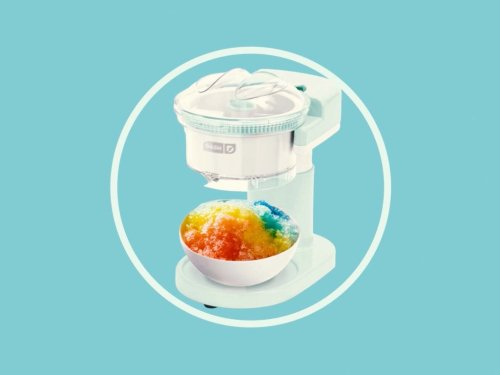 This Mini $30 Snow Cone (Or Frozen Cocktail!) Maker on Amazon Will Bring Carnival Fun to Your Kitchen
