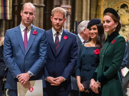 This Theory Suggests Prince Harry & Meghan Markle Fell Out With William & Kate Over Living Arrangements