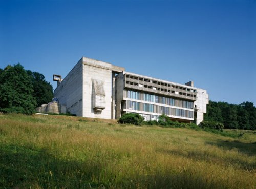 Le Corbusier and Mastering Concrete Minimalism