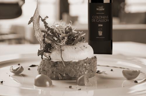 Steak Tartar y Colonias de Galeón Tinto: un poderoso maridaje