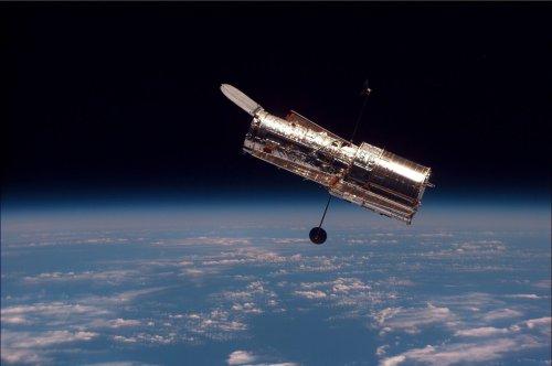Retired NASA Engineers Return to Fix Hubble Telescope