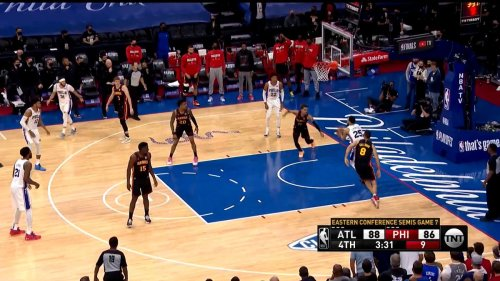 Why Did Ben Simmons Pass Up This Wide-Open Dunk?