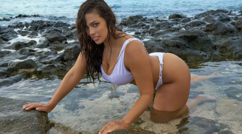 Ashley Graham Just Shared Her Phone Number and She Wants YOU to Text Her
