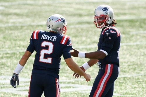 Former Michigan State QB Brian Hoyer re-signs with New England Patriots