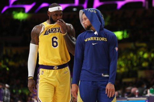 "Lakers News: LeBron James Reacts To Steph Curry's ""Kobe-like"" Game"