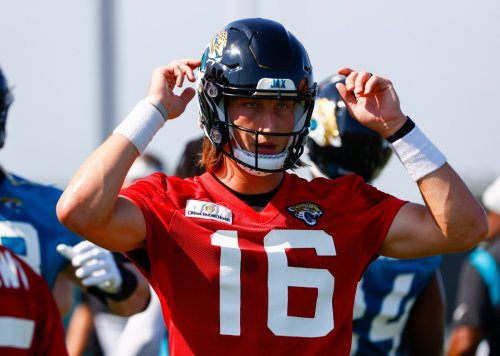 Jaguars Training Camp Notebook, Day 2: Lawrence Elevates His Game, Special Guests and More