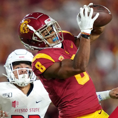 Three Reasons Why Amon-Ra St. Brown Would Be A Great Pick for the Chicago Bears