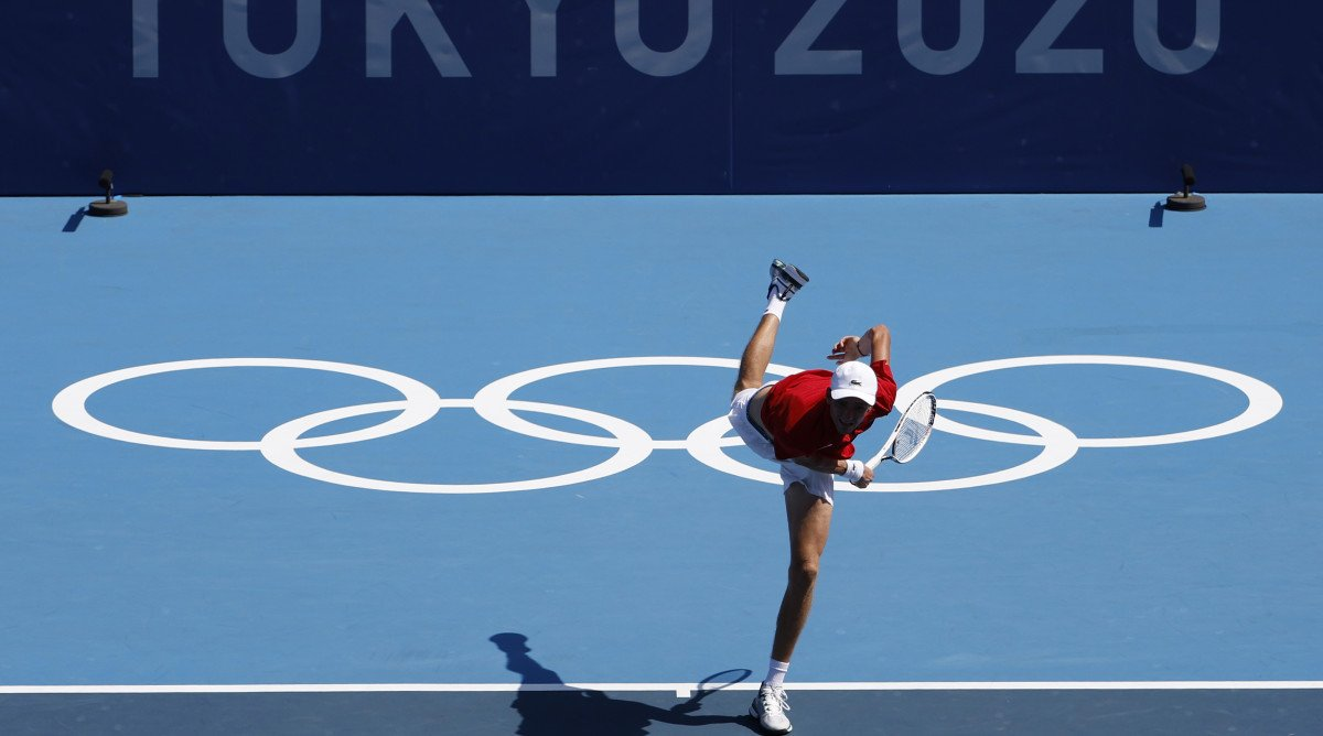'I Can Finish the Match but I Can Die': Medvedev Survives Extreme Heat at Tokyo Games