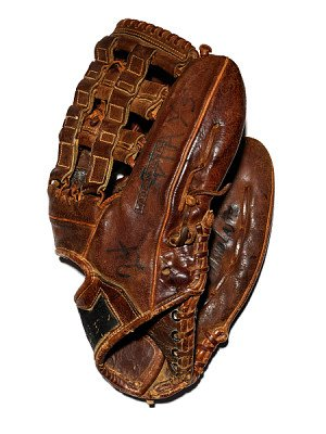 Glove used by Willie Mays, San Francisco Giants