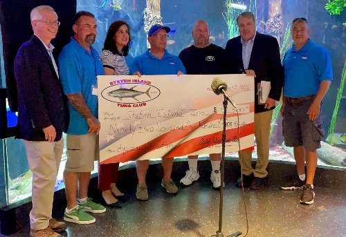 Staten Island Tuna Club gives $92K donation to zoo as it celebrates World Oceans Day