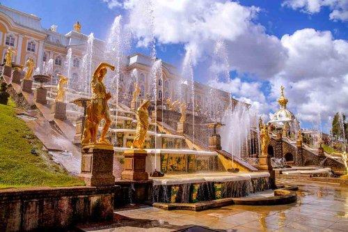 Ausflüge in St. Petersburg: Peterhof, Metro und Katharinenpalast mit Bernsteinzimmer