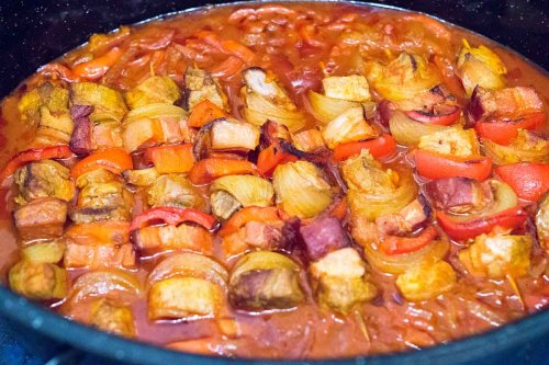 Schaschlik im Ofen mit köstlicher Soße – meine Variation der russischen Fleischspieße