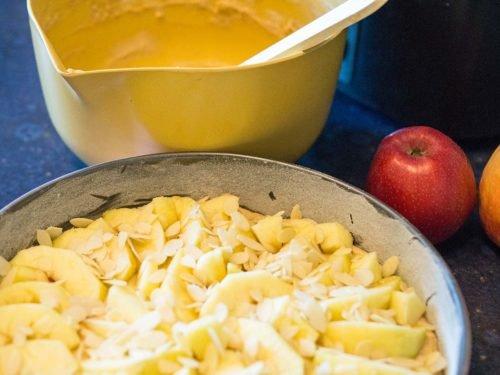 Apfelkuchen mit Marzipan - SilverTravellers